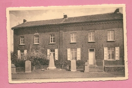 C.P. Graty =  MONUMENT 1914-1918  ET  1940-1945 Et  Les  Habitations Du  Personnel  Enseignant - Silly