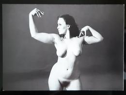 Nude Female Carte Postale - Pin-Ups