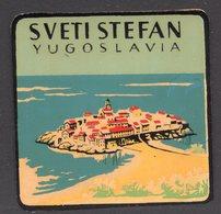 1960s YUGOSLAVIA, MONTENEGRO, SVETI STEFAN, TOWN, CITY, BAGGAGE LABEL, 6 X 6 Cm - Hotel Labels