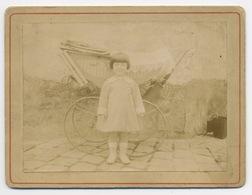 E179 Photographie Originale Ancienne Fillette Grand Landau 1916 Collée Sur Carton - Sonstige
