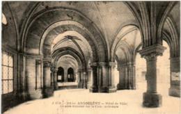61im 729 CPA - ANGOULEME -  HOTEL DE VILLE - ARCADES - Angouleme