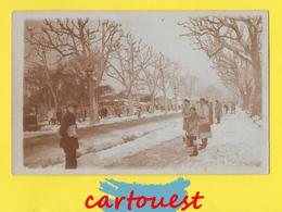 CPA  ☺♦♦  Boulevard Enneigé   ֎ Photographie - Neige - Militaire - Chapeau - Zonder Classificatie