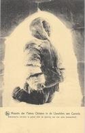 Missions Paters Oblaten Canada - Eskimosche Christen In Gebed Voor De Opening Van Zijn Iglou (igloo) - Missionen