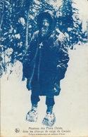Missions Des Pères Oblats Dans Les Champs De Neige Du Canada - Evêque Missionnaire En Costume D'hiver - Missionen