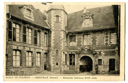 CPA 80 ABBEVILLE Ecole Saint Vulfran - Abbeville