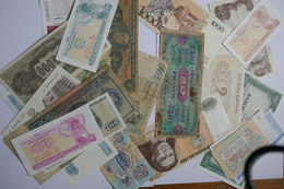 LOT DE 37 Billets Tous Pays , Neufs , Anciens, Toute Epoque - Billets