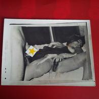 PHOTO PORNO 1 FEMME NU ET UN HOMME  MAISON CLOSE ? - Beauté Féminine (1941-1960)