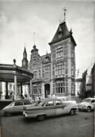Belgique - Fosses - L' Hôtel De Ville - Voitures - Fosses-la-Ville