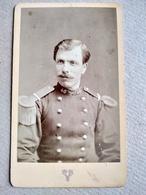 CDV Militaire - 40 Sur Col - Voir Épaulettes - Circa 1872 - Photo Victoire, Lyon - TBE - Guerre, Militaire