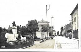 Ambérieu En Bugey    Monument Et Rue Bérard  Voyagée En 1937 - Autres Communes