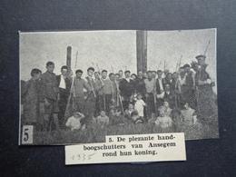"""Origineel Knipsel ( 2973 ) Uit Tijdschrift """" Ons Volk """"  1935 :    Boogschutters  Ansegem  Anzegem - Tir à L' Arc - Documentos Antiguos"""