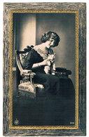 Chat Et Jeune Femme -  Cat, Lady -katze Mädchen -vrouw En Poes - Cats