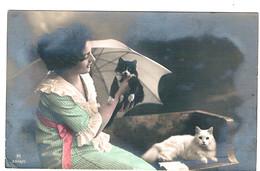 2 Chats Et Jeune Femme - Lady, Cats -katze -jonge Vrouw Poesjes - Cats