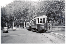 Tramway De Perpignan (66) Motrice N°30 Dans Les Rues De Perpignan, Vers 1950 - Tramways