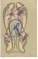 L170A604 - Très Jolie Carte Gauffrée Avec Médaillon D'enfant Et Fleurs Délicates - S N°424 - Carte Précurseur - Tarjetas De Fantasía