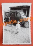 """Auto Voiture ) Photo Originale - Citroën 2 CV """"  Enfant Avec Son Vélo Tricycle """" Avril 1968 - Auto's"""
