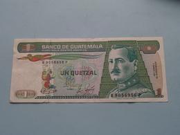 UN Quetzal > Banco De GUATEMALA ( For Grade, Please See Photo ) ! - Guatemala