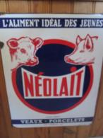 Plaque Emaillee Ancienne Neolait Aliment Ideal Des Jeunes Porcelets . Emaillerie Alsacienne . Super Etat - Assurance