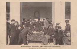 1911 - LES MANIFESTATIONS VITICOLES DE BAR SUR AUBE - LA SIGNATURE DES PROTESTAIRES - TRES BELLE CARTE - PEU COURANTE - - Bar-sur-Aube