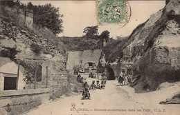 Dep 60 , Cpa CREIL , 21 , Maisons Souterraines Dans Les Tufs (Fr.16851) - Creil