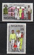 APR1895 - NIGERIA 1983, Serie Yvert N. 416/417  ***  MNH  (2380A) .  Famiglia - Nigeria (1961-...)