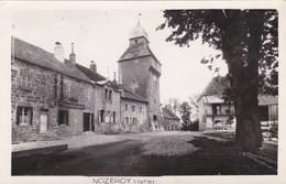 Nozeroy - Sans Légende - Centre Du Village - Tour De L'Horloge - France