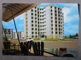 CP Guyane Française CAYENNE  - Nouveau Quartier  Immeuble Type HLM Voiture Renault 4L Peugeot 404  1981 - Cayenne
