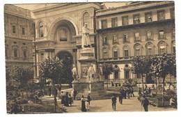 2963 - MILANO PIAZZA DELLA SCALA COL MONUMENTO A LEONARDO DA VINCI 1920 CIRCA ANIMATISSIMA - Milano (Milan)
