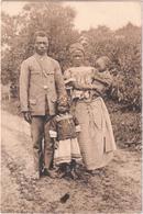 Un Catéchiste Et Sa Famille - Mission Des RR. PP. Jésuites Au Kwango - Congo Belge - Autres