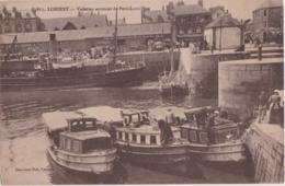 Bv - Cpa LORIENT - Vedettes Arrivant De Port Louis - Lorient