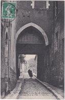 89. AUXERRE. La Rue Du 4 Septembre. Ancienne Porte De Ville. 62 - Auxerre