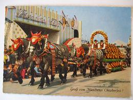 """Bayern, München, Oktoberfest, Wagen Vor """"Broadway Trip""""   - Allemagne"""
