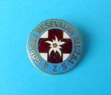 SLOVENIAN MOUNTAIN RESCUE SERVICE Large Breast Badge * S. De Secours En Montagne Bergrettung Bergwacht Soccorso Alpino - Police & Gendarmerie