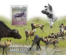 ANGOLA - 2019 - Fauna Of Angola, Cape Wild Dogs - Perf Souv Sheet - Angola
