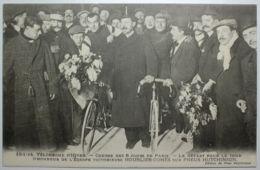 VELODROME D'HIVER Course Des 6 Jours De PARIS Le Départ Pour Le Tour D'honneur De L'équipe Victorieuse HOURLEUR-COMES Su - Cyclisme