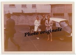 Photo Originale - Autos Voitures Automobiles Cars - Citroën DS - Femmes Et Homme - Automobiles