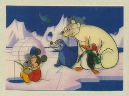 WALT DISNEY Carte En Relief 3D Lenticulaire Lenticular Mickey Mouse Ours Bear Pingouin Penguin Otarie PS-203 TB.Etat - Other Illustrators