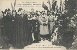 Paris  Hommage  Au Poiolu Incinnu   Et à Gambetta   Guerre 1914-18   Militaria - Otros