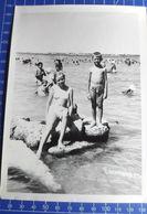 B&W Amateur Photo Girl Fille Boy Garcon Swim Summer 0420 - Anonymous Persons