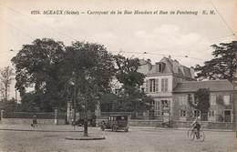 92 Sceaux Carrefour De La Rue Houdan Et Rue De Fontenay Vieille Voiture Auto Velo Cycliste - Sceaux