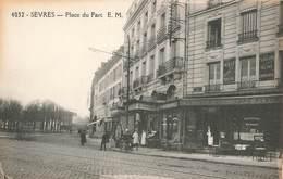 92 Sevres Place Du Parc Commerce Café Restaurant - Sevres