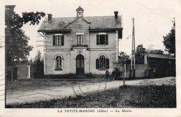 La Petite Marche La Mairie Correspondance Paris Xve - France