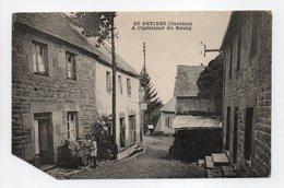 - CPA SAINT-SETIERS (19) - A L'intérieur Du Bourg - Photo COMBIER - - Other Municipalities