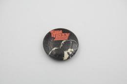 Vintage BUTTON: THIN LIZZY *** - 1 INCH - Speld - Epingle - Badge - Pinback - RaRe - ORIGINAL 1980's - Rock - Metal - Pin's