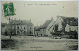 ESPRELS Place De L'hôtel De Ville Côté Nord - Other Municipalities