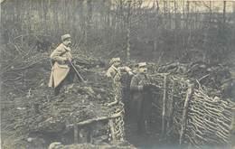 GUERRE 1914-18 -  Militaires Dans Les Tranchées, Carte Photo. - Guerre 1914-18