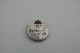 Vintage BUTTON: CULTURE CLUB *** - 1 INCH - Speld - Epingle - Badge - Pinback - RaRe - ORIGINAL 1980's - Pin's