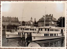 """Photo Originale Bateaux Vapeur """" Rempten """" & """" Augsburg """" Vers 1940 - Tourisme Fluvial & Port Allemand à Identifier - Boten"""