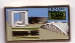 S218 Pin's BANQUE BNP GROUPE NATION VIE PARIS ARCHE DEFENSE Bank Achat Immédiat - Banken