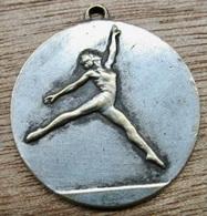 MEDAILLE SPORT GYMNASTIQUE U.A.I.C.F 85 76 - Gymnastique